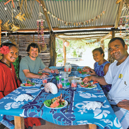eat with locals in Maré